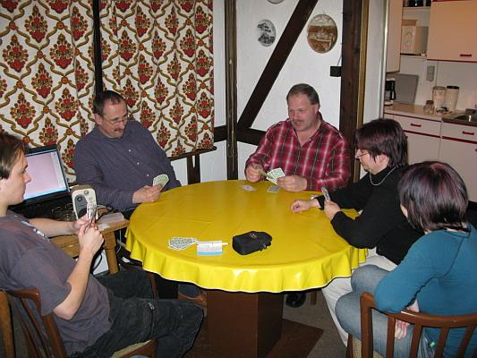 Zum Vergrößern bitte das Bild anklicken 1. Grün-Weiß Pokerabend