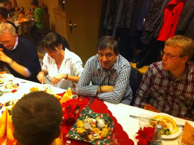 Zum Vergrößern bitte das Bild anklicken Weihnachtsfeier 2012